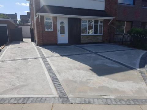 Concrete and Block mixed driveway