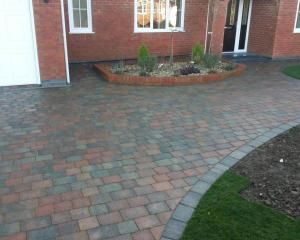 block paving driveways Grimsby - Cleethopres