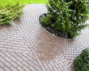 block paving patterned patio