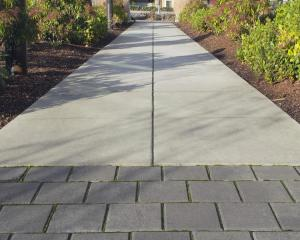 Block and Paving slab Pathway - pathway Grimsby - Cleethorpes